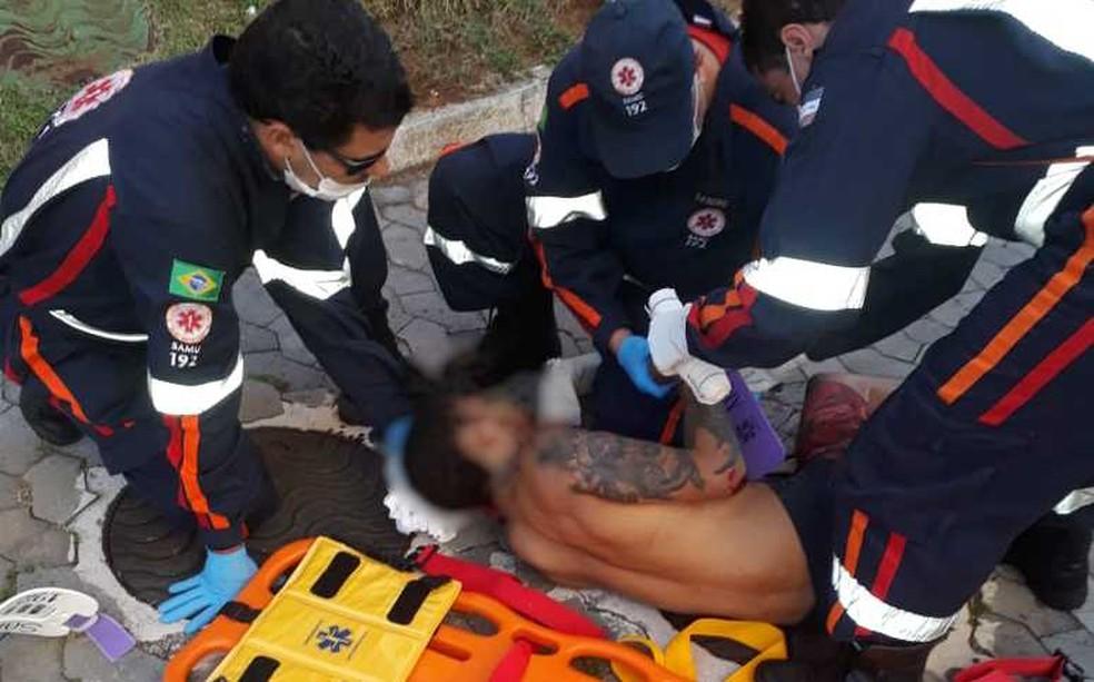 Homem bateu na mulher e se jogou do terceiro andar de prédio (Foto: Divulgação/ PM)