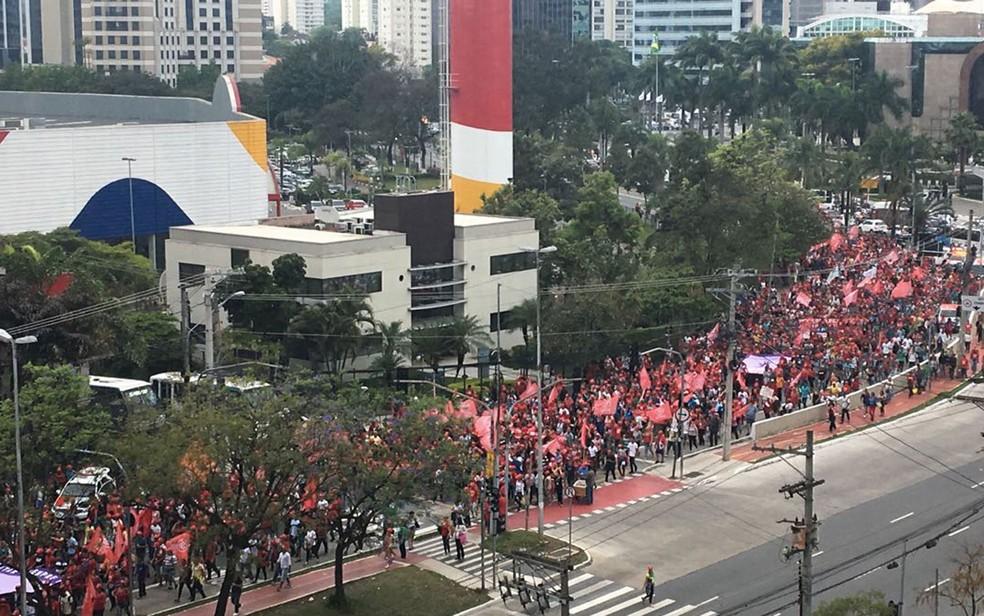 Movimento durante caminhada já na Zona Sul da cidade (Foto: Thiago Rodrigues/Arquivo Pessoal)