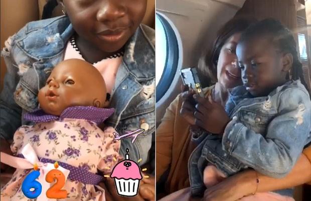 Titi no voo, com a 'sua filha' e no colo da vovó Deborah Ewbank (Foto: Reprodução / Instagram)