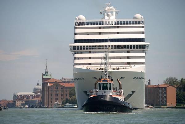 Passagem de navios de cruzeiro é tema incômodo em Veneza  (Foto: ANSA)