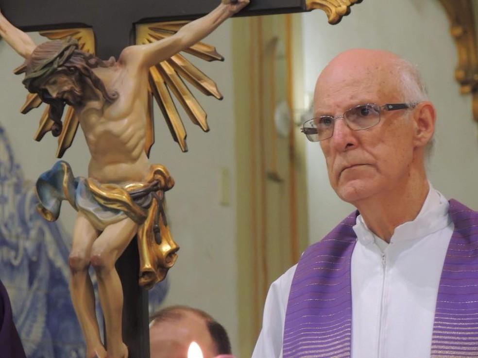 Padre Júlio Lancelotti durante celebração de missa  (Foto: Reprodução Facebook)