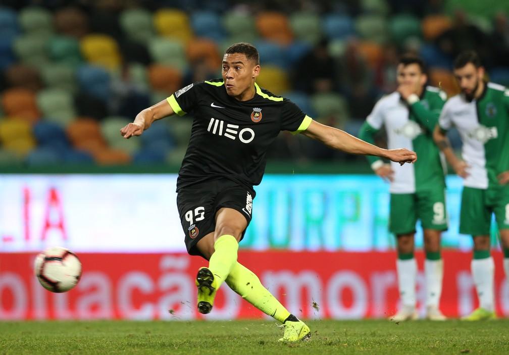 De Zagueiro Reserva No Palmeiras A Atacante Cobicado Em Portugal Conheca Carlos Vinicius Futebol Ge