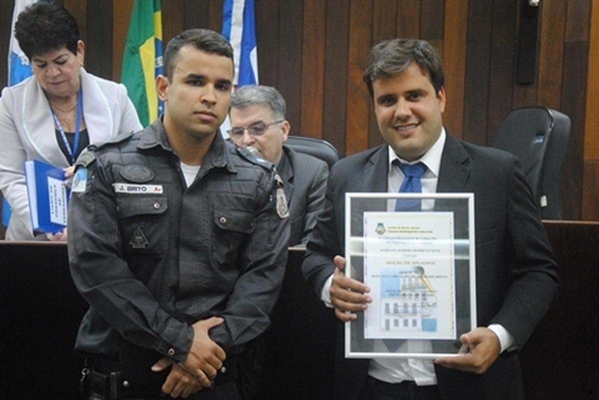 PM morto em Arraial do Cabo já foi condecorado pelo combate 'exemplar' ao crime no interior do Rio