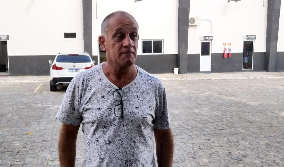 Celso Teixeira foi demitido pelo Treze na última segunda-feira — Foto: Bruno Rafael / CBN