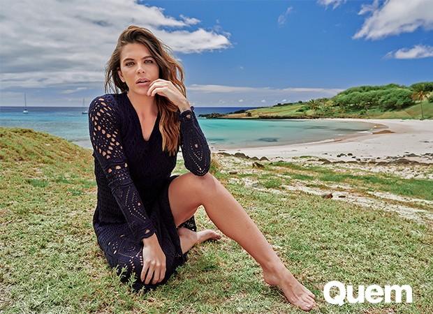 Mariana Goldfarb em ensaio na Ilha de Páscoa (Foto: Tavinho Costa)