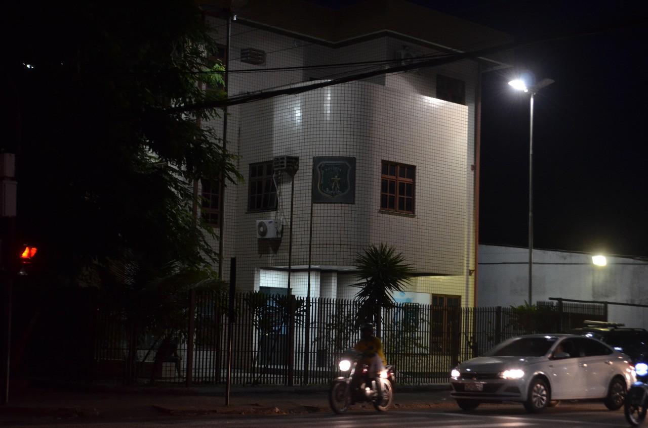 Suspeito de roubo e tráfico de drogas morre em troca de tiros com a PM, em periferia de Macapá