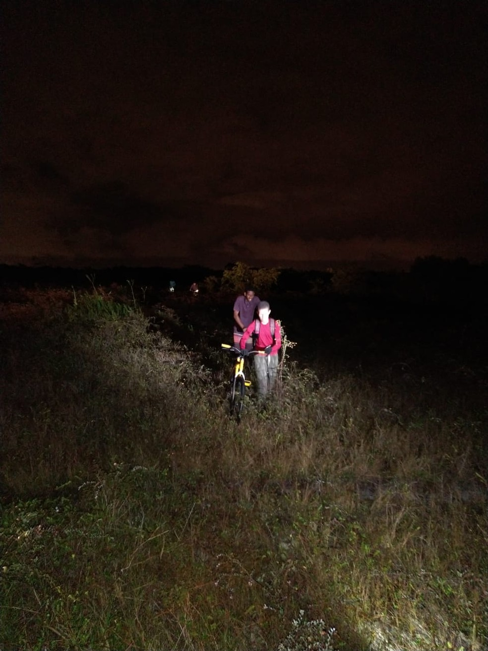 Jovens foram gravar vídeo na Caverna da Onça, na zona rural de Santa Rita, na PB — Foto: Anderson Pereira/Corpo de Bombeiros da Paraíba