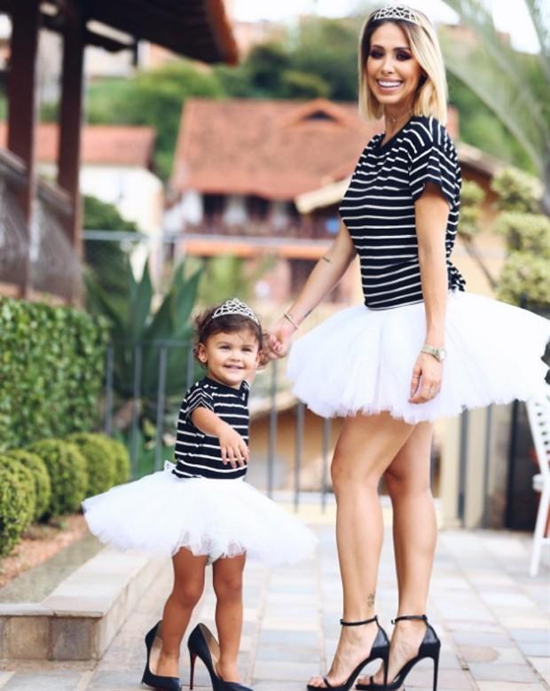 Bella Falconi e filha  (Foto: reprodução / Instagram)