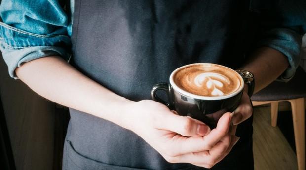 Café; atendente; garçonete (Foto: Pexels)