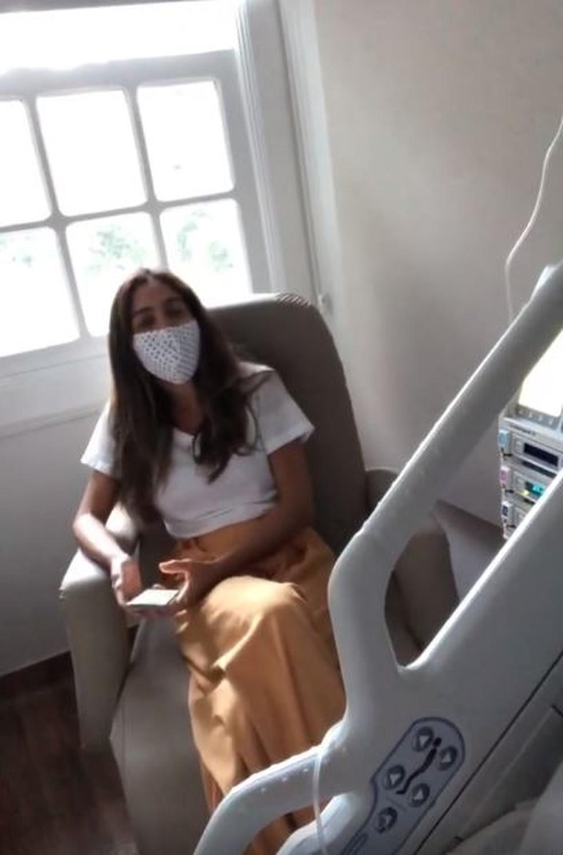 Andrea Santa Rosa está de acompanhante do apresentador no hospital  — Foto: Reprodução/Instagram