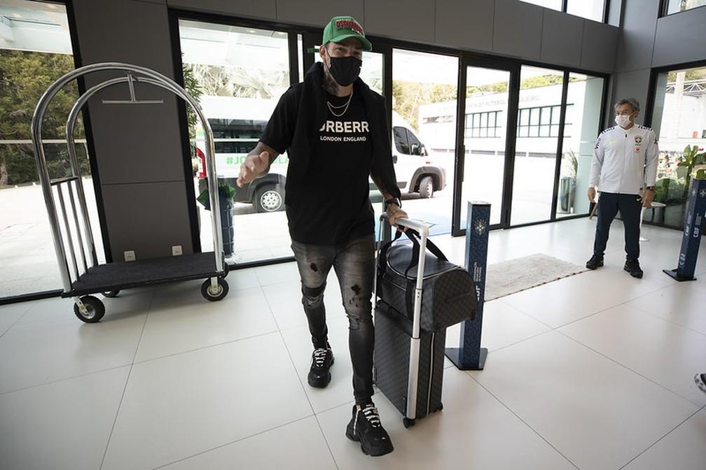 Goleiro Ederson na apresentação à seleção brasileira — Foto: Lucas Figueiredo / CBF