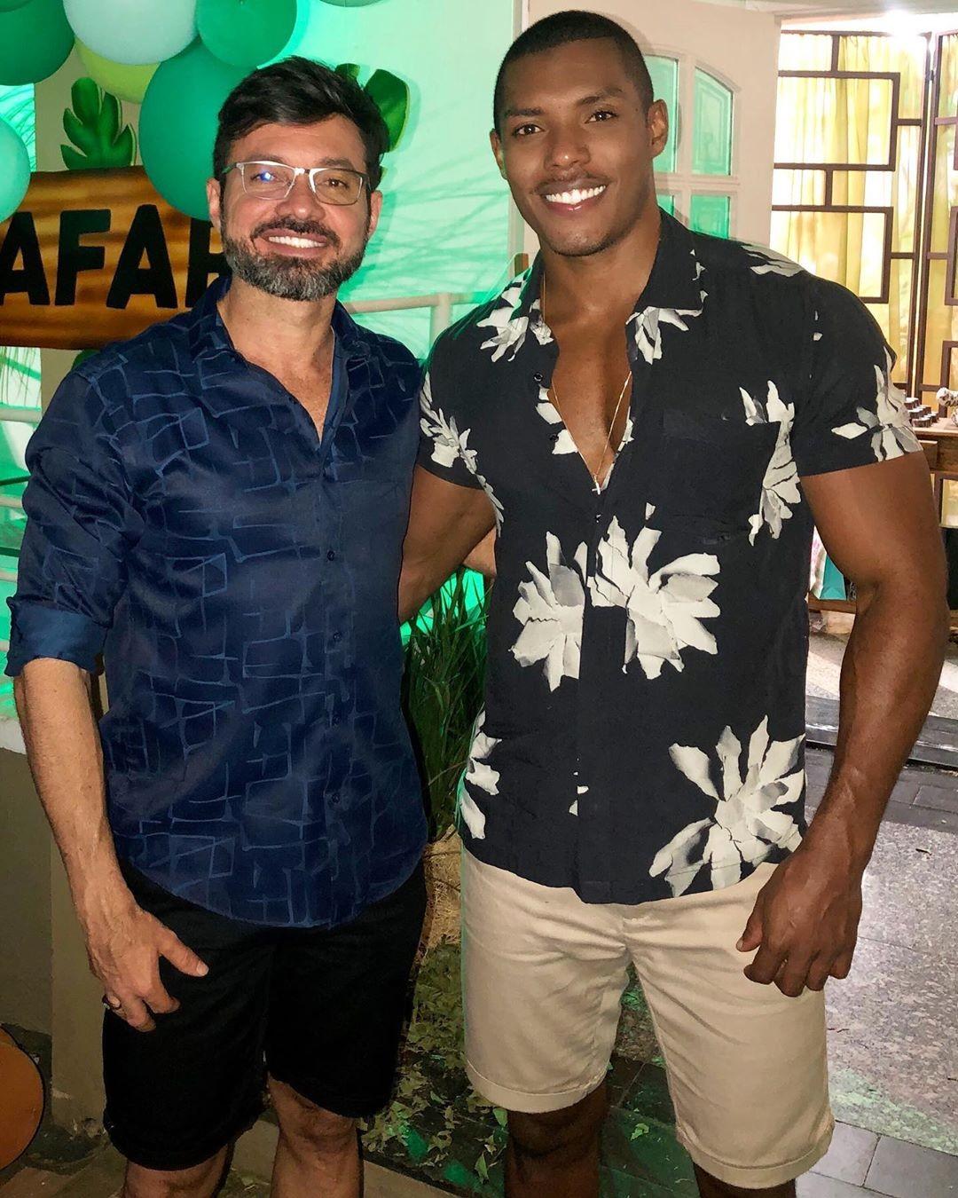 Edgar Souza, prefeito de Lins, e o marido, o modelo Max Souza (Foto: Reprodução)