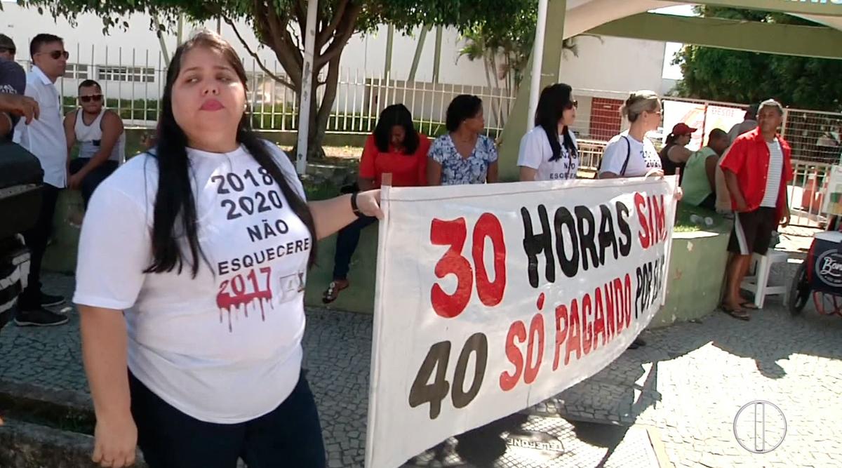 Servidores protestam contra parcelamento de 13º em Campos, RJ, e UPA tem atendimento limitado