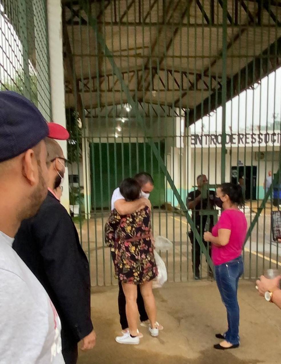 Clérverson é solto após ser inocentado por crime de feminicídio  — Foto: Rinaldo Moreira / Rede Amazônica