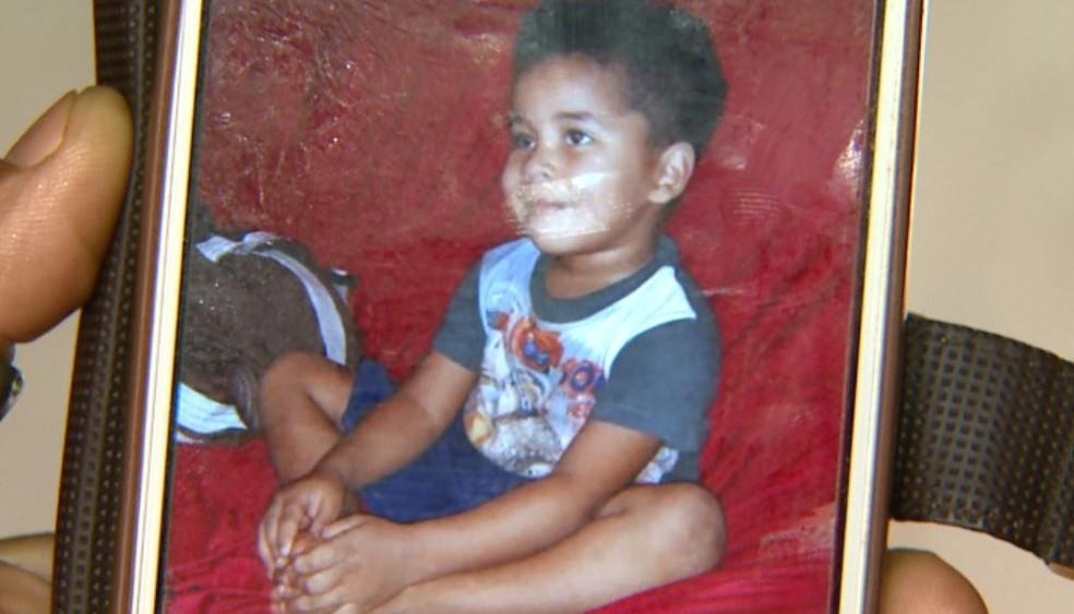Felipe Vieira de Oliveira Santos, de 3 anos, morreu após levar picada de escorpião em Miguelópolis, SP (Foto: Reprodução/EPTV)