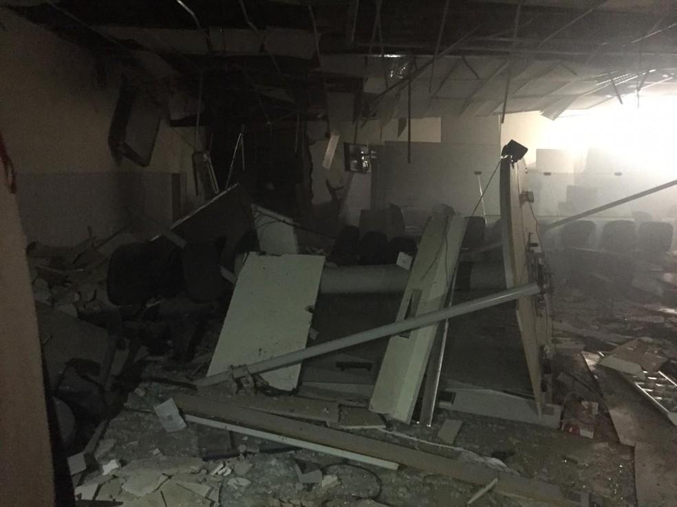 Bandidos fogem após explodirem agência bancária no Maranhão | Maranhão | G1
