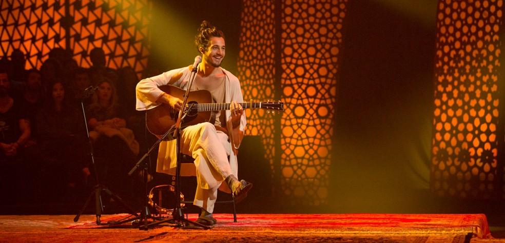 Tiago Iorc na gravação do álbum 'Acústico MTV' — Foto: Marcos Hermes / Divulgação
