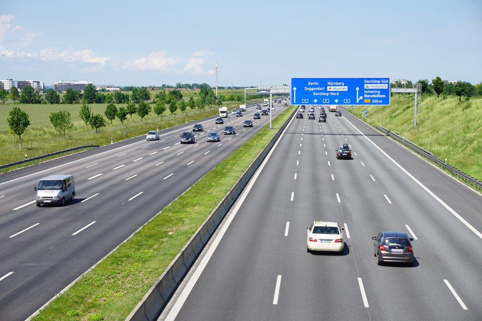 Nas autobahns não há limite de velocidade (Foto: Wikimedia)