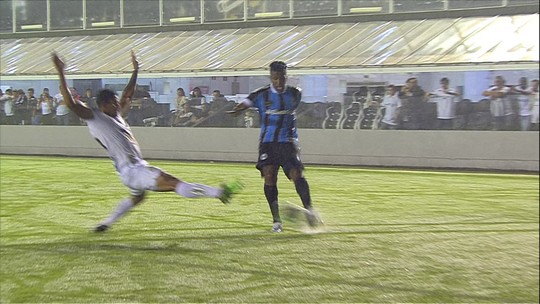 """Após erro na Copa do Brasil, Pepê valoriza """"abraço"""" do grupo e comemora redenção com gol"""