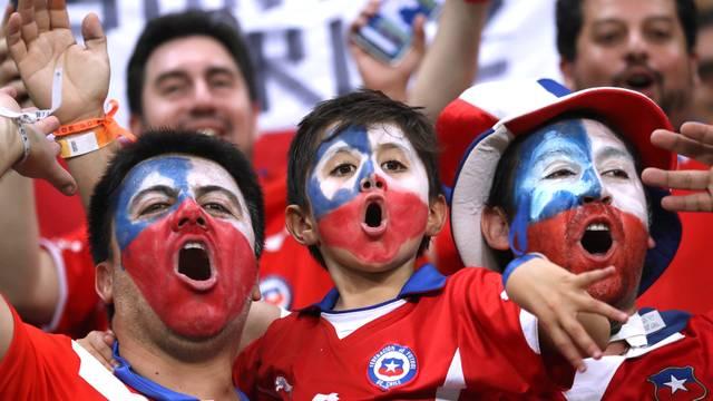 Torcida do Chile marcou presença na Fonte Nova