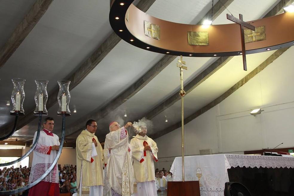 Dom Jaime Vieira Rocha, arcebispo de Natal, celebra missa na Catedral Metropolitana de Natal (arquivo) — Foto: Arquidiocese de Natal/Divulgação
