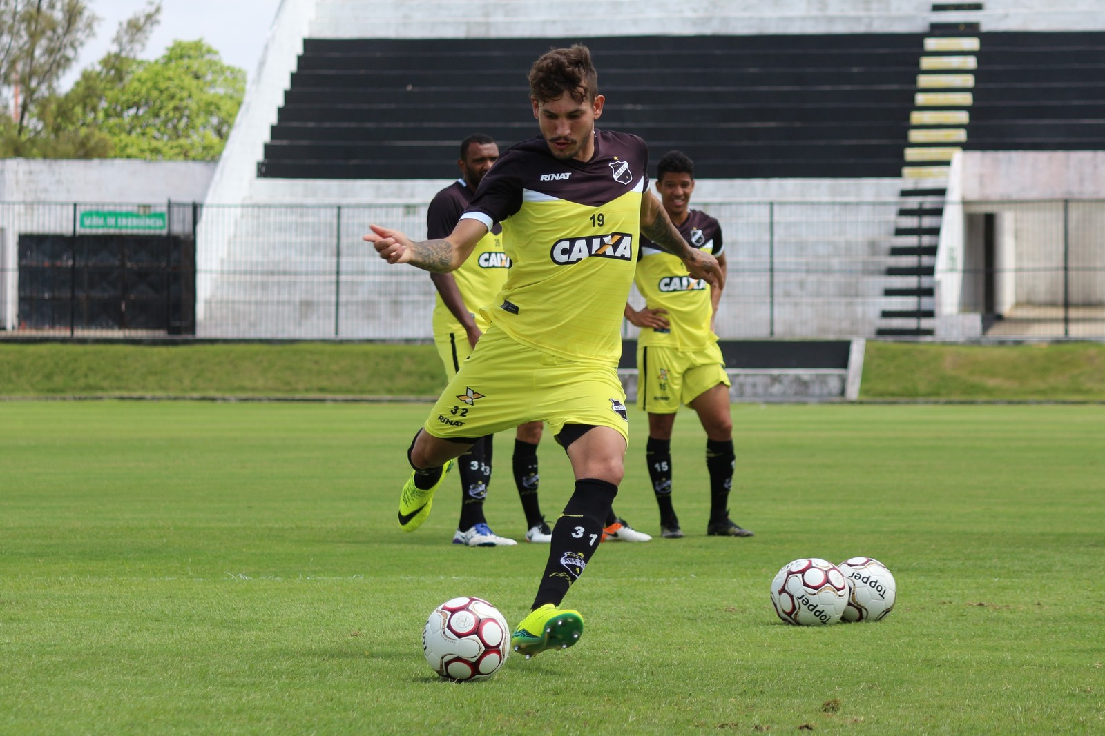 dcf552bd30 A situação do ABC na Série B do Campeonato Brasileiro é dramática. O time é