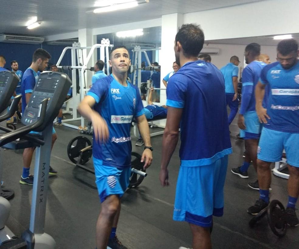 Julián Benítez deixa o CSA sem atuado pelo clube azulino — Foto: Warner Oliveira/Rádio Gazeta