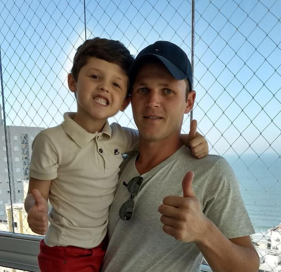 Renan mora atualmente no município de Governador Celso Ramos (Foto: Arquivo Pessoal)