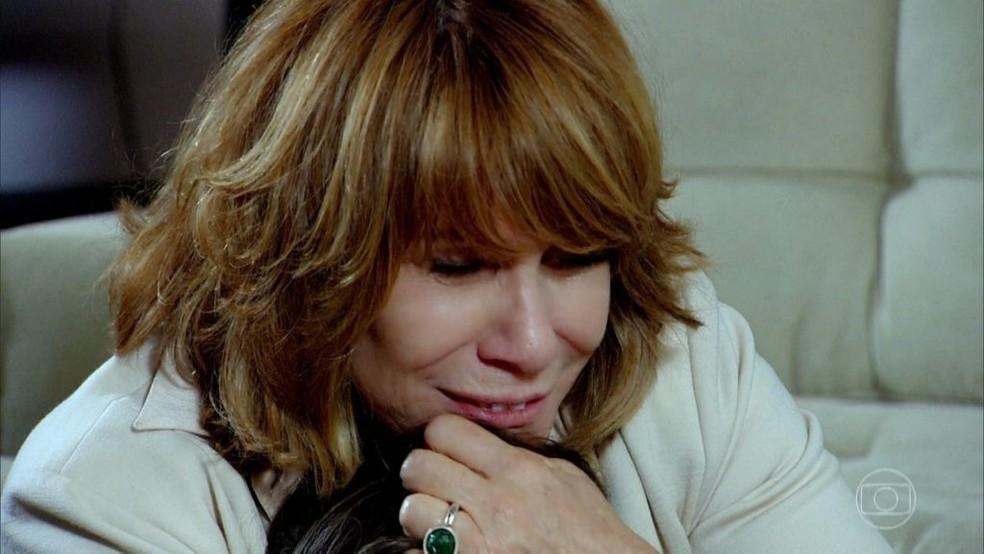 Danielle assume erro e faz grave confissão: 'Quis ser Deus' — Foto: Globo