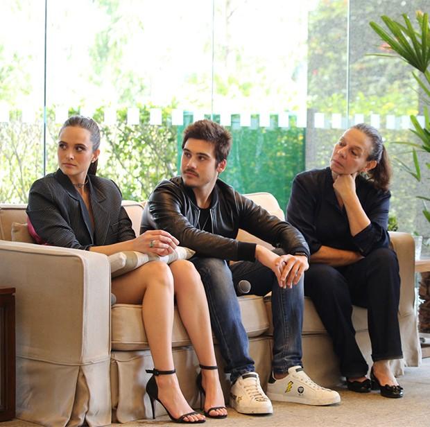Juliana Paiva, Nicolas Prattes e Rosi Campos  (Foto: Deividi Correa / AgNews)