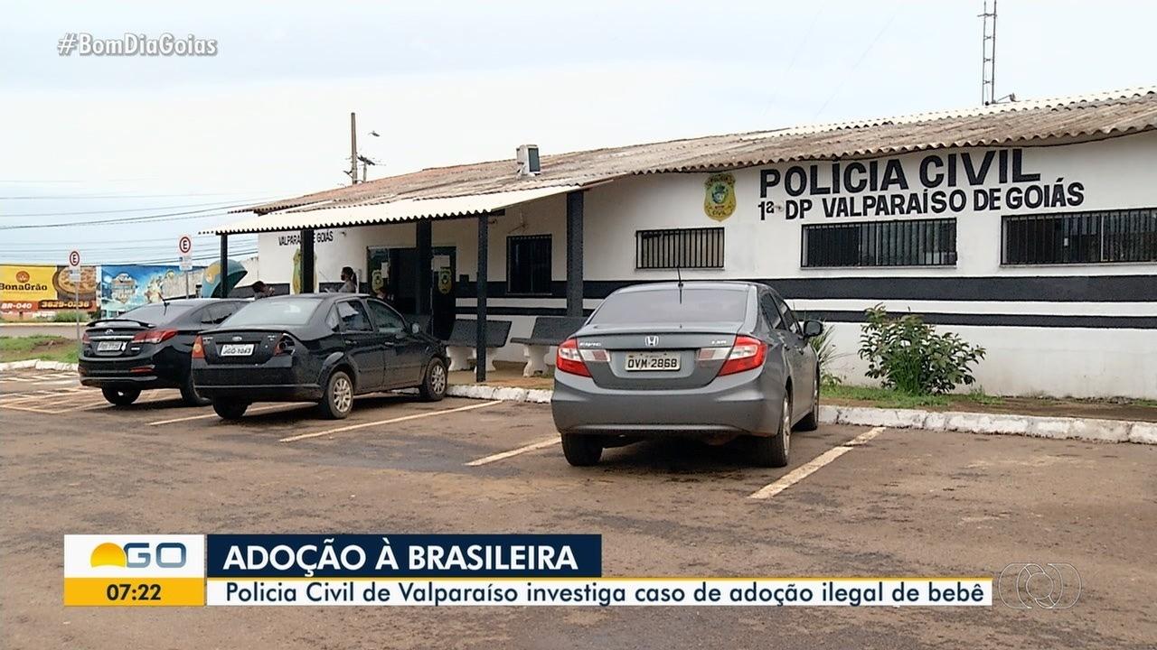 Mulher diz que teve filha roubada, mas polícia descobre que babá é mãe biológica da menina