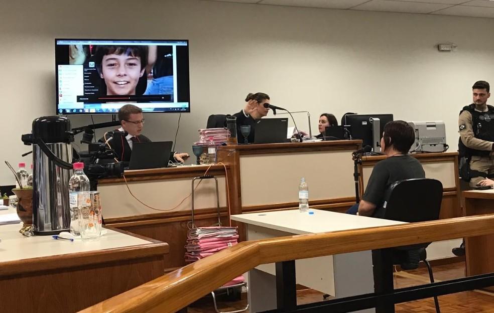 Delegada Caroline Bamberg, testemunha de acusação, comenta sobre entrevista de Leandro Boldrini a uma rádio para informar desaparecimento do filho — Foto: MP-RS/Divulgação