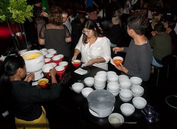 Turma da Sopa anuncia jantar beneficente para ajudar moradores de rua (Foto: Fábio D'Castro)