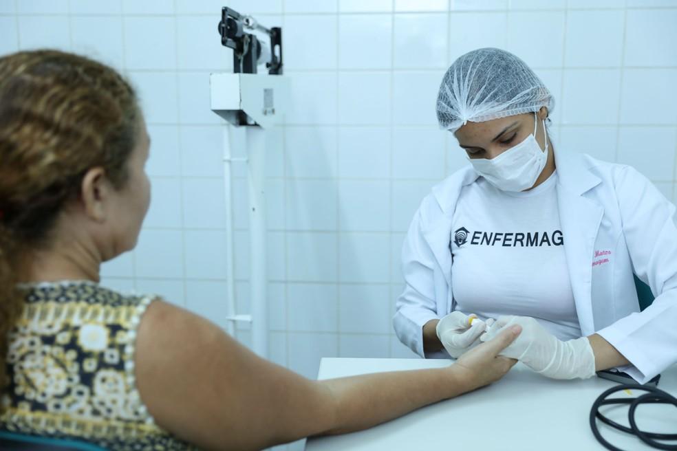 O curso técnico de enfermagem é um dos cursos gratuitos com vagas abertas em Foz do Iguaçu — Foto: Ares Soares/Unifor