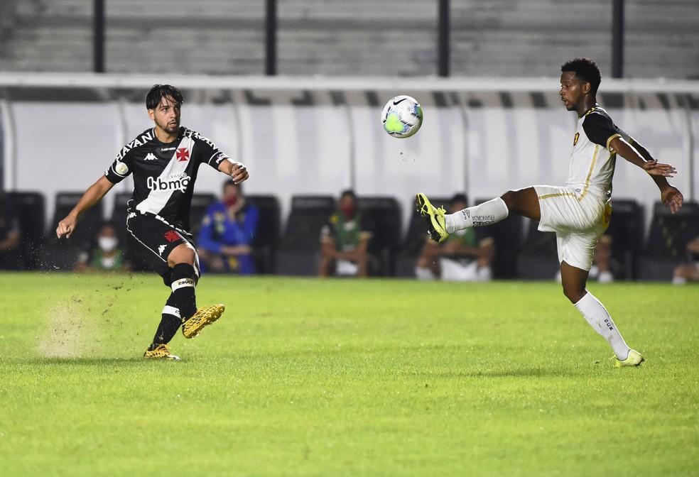 Benítez participou do primeiro gol do Vasco contra o Sport — Foto: André Durão