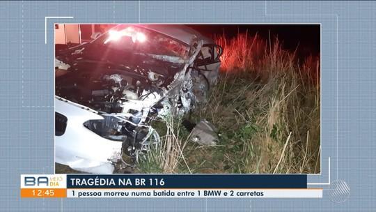 Homem morre em acidente entre BMW e duas carretas na BR-116