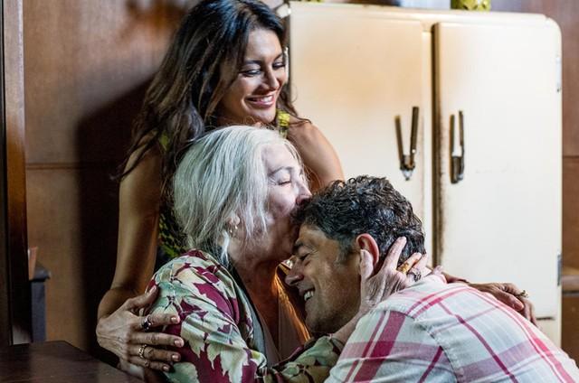 Dira Paes, Carmen Maura e Eduardo Moscovis em 'Veneza' (Foto: Mariana Vianna)