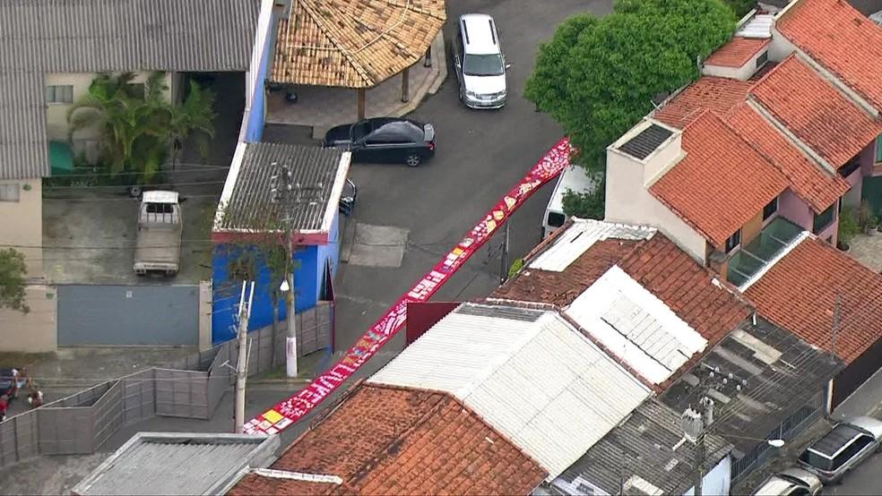 Tapete estendido para Lula caminhar — Foto: Reprodução/TV Globo