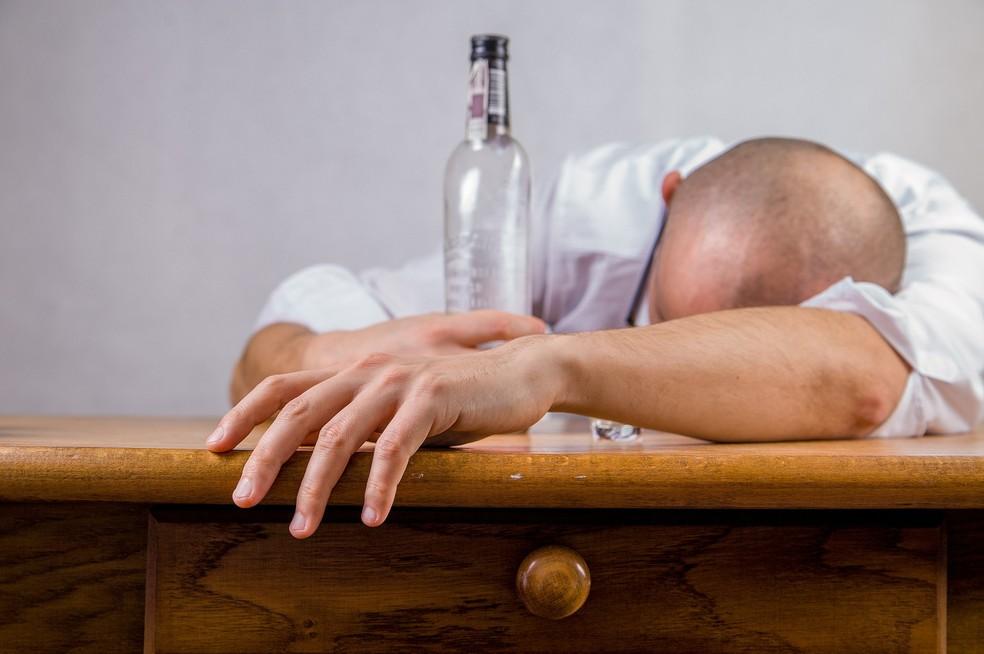 Consumo abusivo de álcool é maior entre homens — Foto: Pixabay