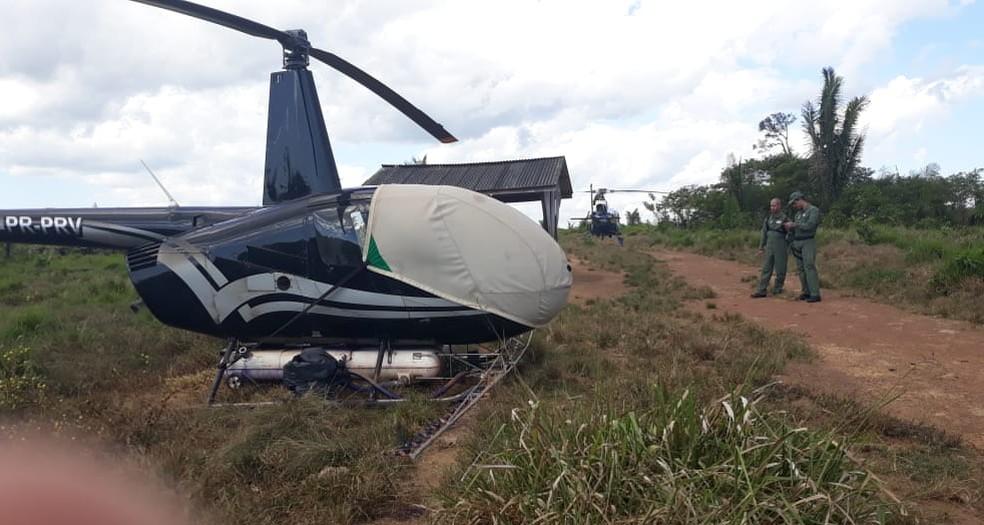 Helicóptero usado para a pulverização foi apreendido — Foto: Ciopaer/Divulgação