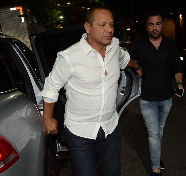 Neymar pai (Foto: Thiago Duran/AgNews)