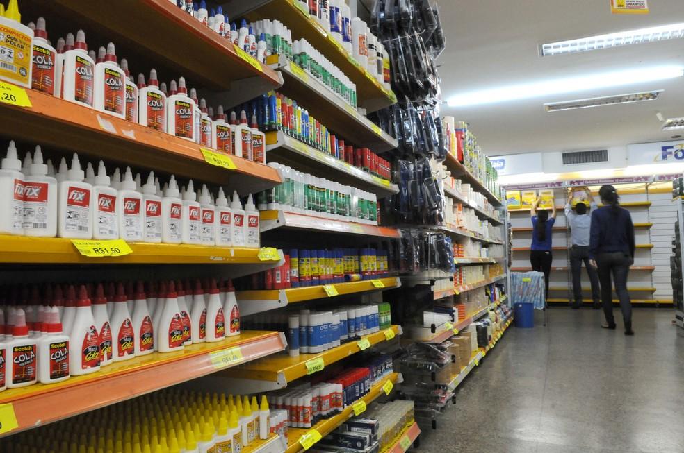 Exigir marcas específicas na lista de material escolar é proibido, diz Idec. — Foto: Toninho Tavares/Agência Brasília