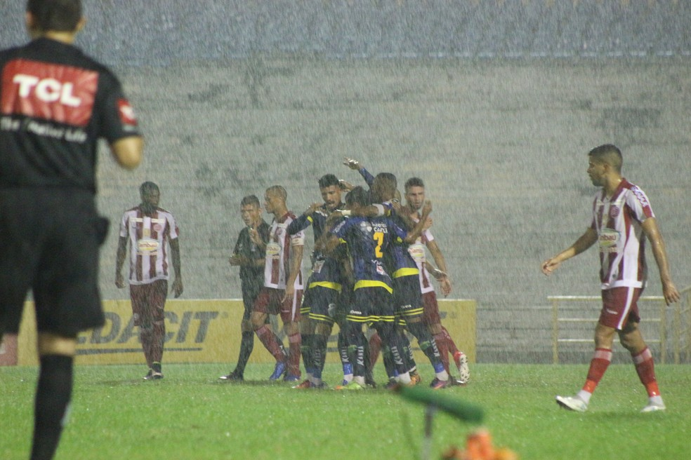 Manoel comemora gol  (Foto: Wenner Tito/GloboEsporte.com)