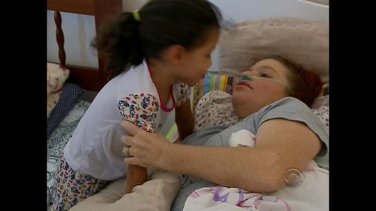 Mulher que pede ajuda na Justiça do RS para tratar câncer é considerada morta em sentença