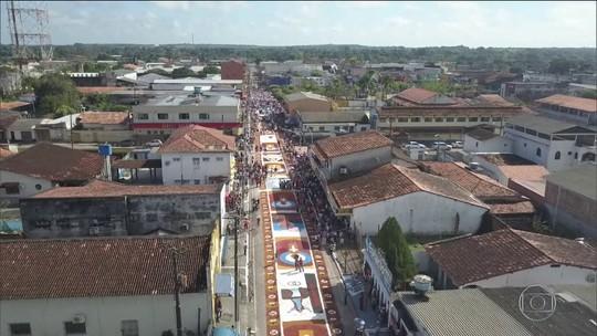 Tradição de Corpus Christi enche de cor cidades de todo o país