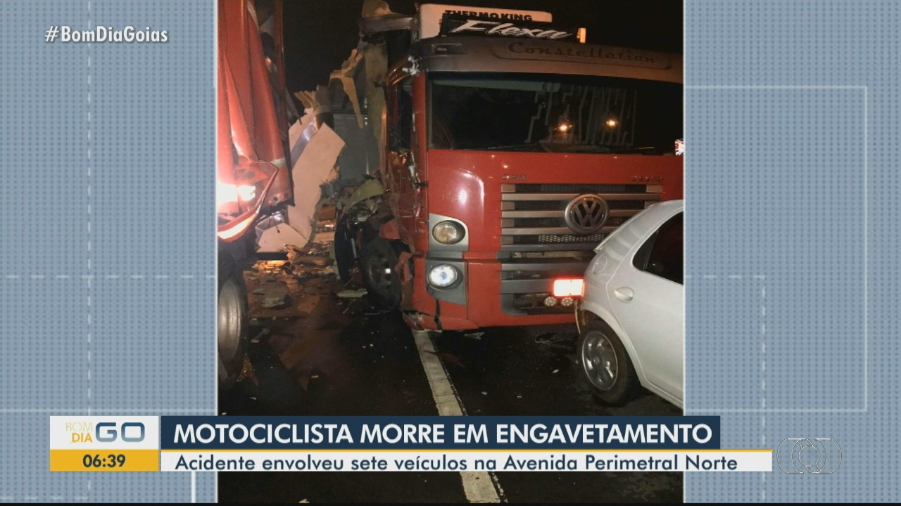 Motociclista morre em acidente envolvendo sete veículos, em Goiânia