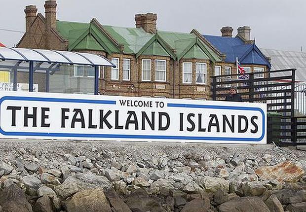 Ilhas Falkland, na Argentina: cidadãos britânicos das Malvinas  (Foto: Reprodução/Channel 4)