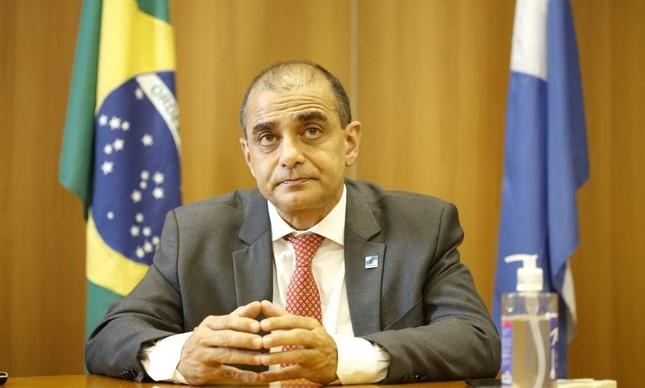 O ex-secretário estadual de Saúde Edmar Santos investigado por envolvimento em esquemas de corrupção