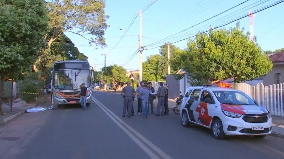 Segundo a polícia, suspeito é ex-marido da vítima e crime está sendo tratado como feminicídio em Marília — Foto: TV TEM/Reprodução