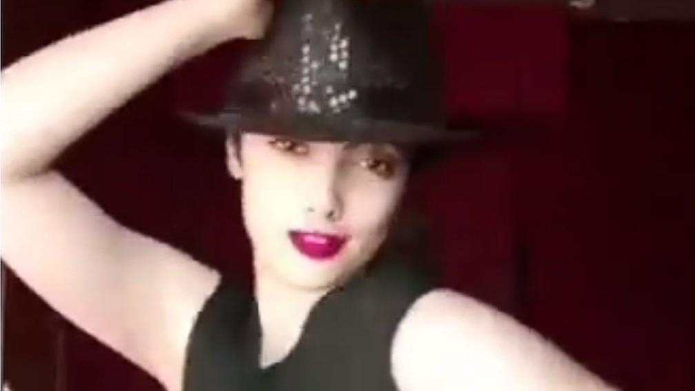 -  A jovem Maedeh Hojabri foi presa por aparecer nas redes sociais dançando sem usar o véu obrigatório na cabeça  Foto: Maedeh Hojabri/Instagram